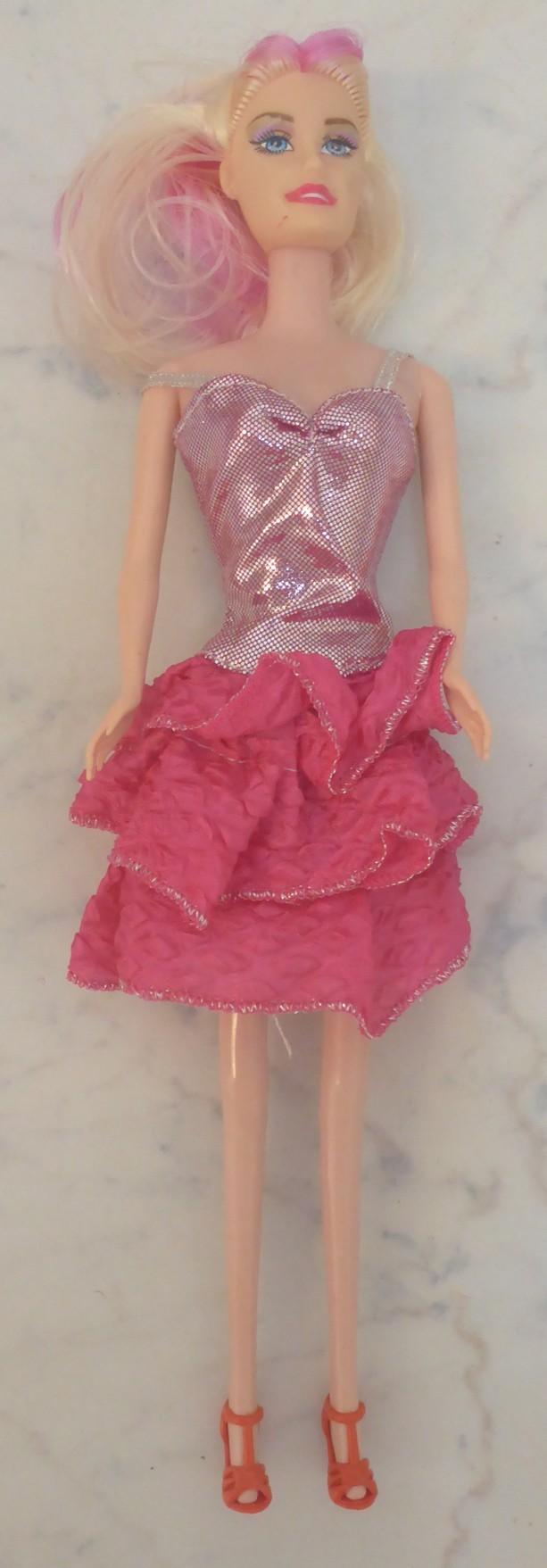 nv_babika_typu_barbie2