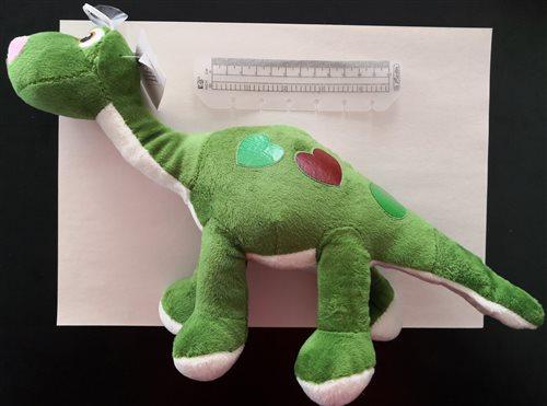 plyšový dinosaurus s prísavkou c
