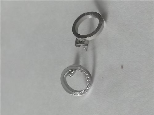 náušnice s kamienkami v striebornom prevedení